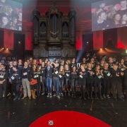 Vrijwilligers TEDxAmsterdam 2013 op podium Concertgebouw - (foto door Henri Smeets, C360.nl)